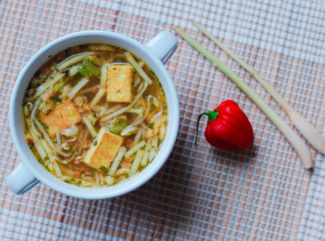 Quick vegan Surinamese saoto soup recipe