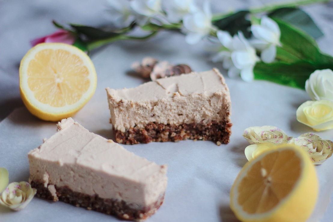 Raw vegan challenge Day 7 (lemon cheesecake)